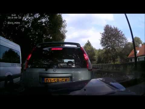 Kettingbotsing Hapert door automobilist gefilmd