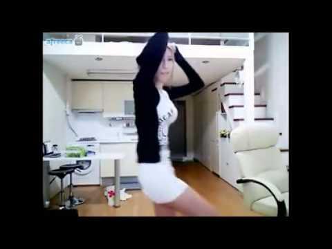 女生這樣跳舞就對了,一定會迷倒大眾的!