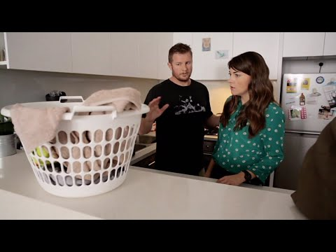 Boyfriend Explains To Girlfriend The Powers Of The Mysterious Laundry