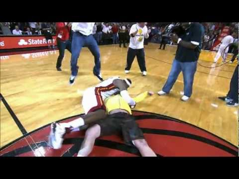 LeBron tackles Heat fan who hits %2475%2C000 shot%21
