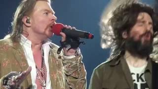GUNS N' ROSES - DON'T CRY @ O2 ARENA AMAZING VOCAL FULL HD