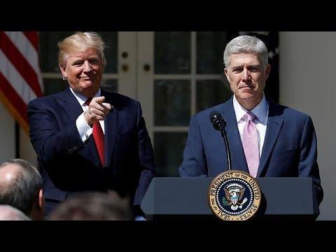 Ορκίστηκε ο Γκόρσατς – Πανηγυρίζει ο Τραμπ