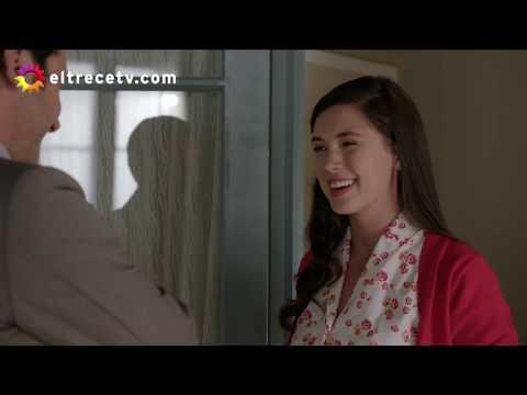 Tarjetas de amor - Torcuato suma puntos con Lucía hasta que Ágatha cayó en su casa