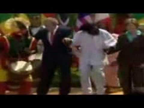 Bush bailando