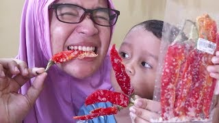 Video Cemilan Unik Dari Cabe Merah Gimana Rasanya Ya ?! MP3, 3GP, MP4, WEBM, AVI, FLV Juli 2019
