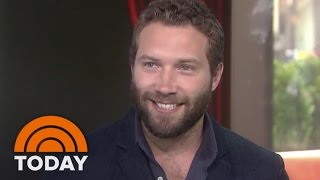 Video Jai Courtney Ripped Pants During 'Insurgent' | TODAY MP3, 3GP, MP4, WEBM, AVI, FLV Mei 2018