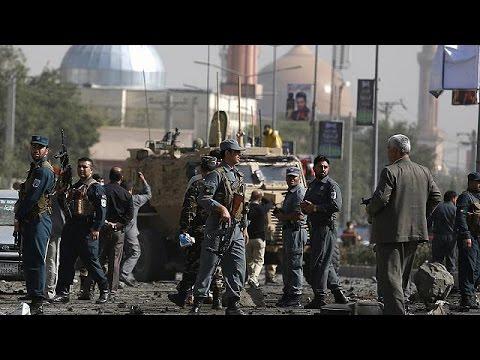 Αφγανιστάν: Επίθεση αυτοκτονίας των Ταλιμπάν σε κομβόι που μετέφερε στρατιώτες