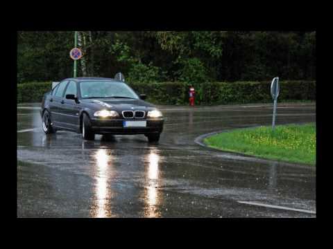 Street BMW Drifting - E87  vs. E46