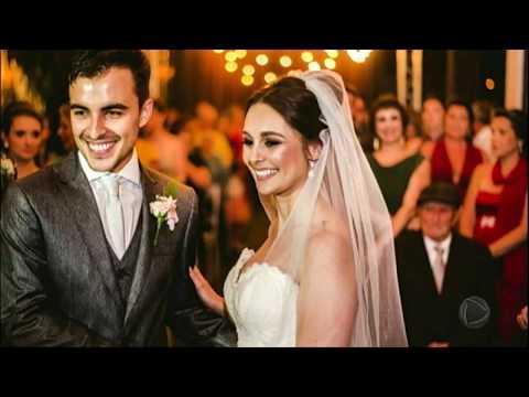 Cachorro invade casamento, deita no véu da noiva e viraliza na internet