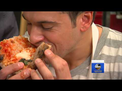 Pizza diet? Chef shows how he lost 101 pounds eating pizza daily.