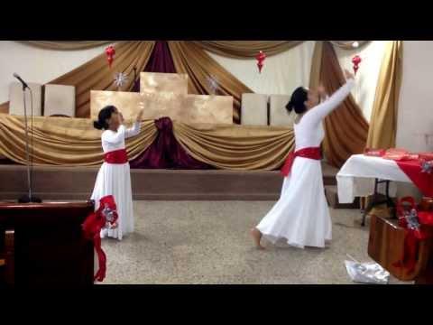 alabanzas y danza - Una de las danzoras y una de las danzarinas (madre e hija) del ministerio de danza cristiana 'Ministerio Danzaré para Jehová' danzando la alabanza 'Alabanzas...