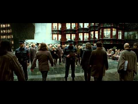 Harry Potter and the Deathly Hallows: Part I (Trailer 2)