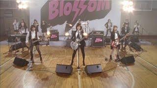 Download Lagu 【MV full】 GIVE ME FIVE ! / AKB48[公式] Mp3