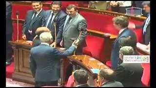 Video Manuel Valls refuse de serrer la main du président tunisien Moncef Marzouki MP3, 3GP, MP4, WEBM, AVI, FLV Juni 2017