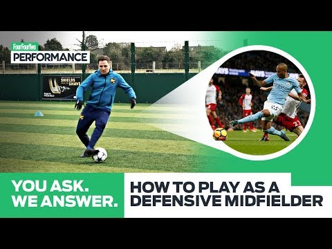 How To Play As A Defensive Midfielder with Fernandinho | You Ask, We Answer