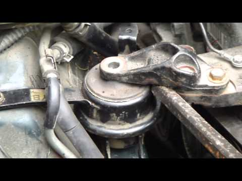 How to replace engine mounting Toyota Corolla VVT-i. Years 2000 to 2007.