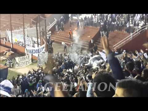 Video - LLEGA TOCANDO EL BOMBO CON LA TROMPETAS - La Banda de Fierro 22 - Gimnasia y Esgrima - Argentina
