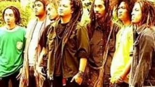 Download Lagu Steven Coconut Treez Bebas Merdeka Mp3 Terbaru