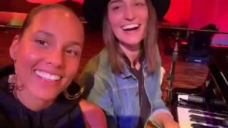 Alicia Keys & Sara Bareilles - Gravity Acustic (rehearsal)