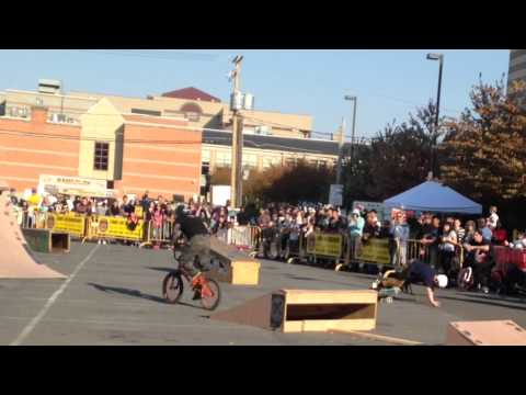 Grand premiere of Heroes of dirt the movie-BMX contest