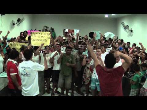 População de Nova Olinda faz grande protesto no Vale do Piancó