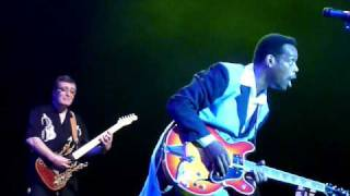 Nonton Earl Jackson As  Chuck Berry With The New Rockin On Heavens Door Show Film Subtitle Indonesia Streaming Movie Download