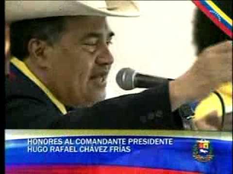 Cristóbal Jiménez cantó ante el féretro de Chávez sus temas favoritos
