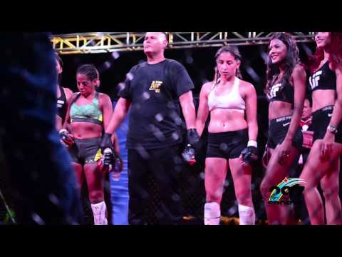 Sophia ta gana su prome pelea den MMA