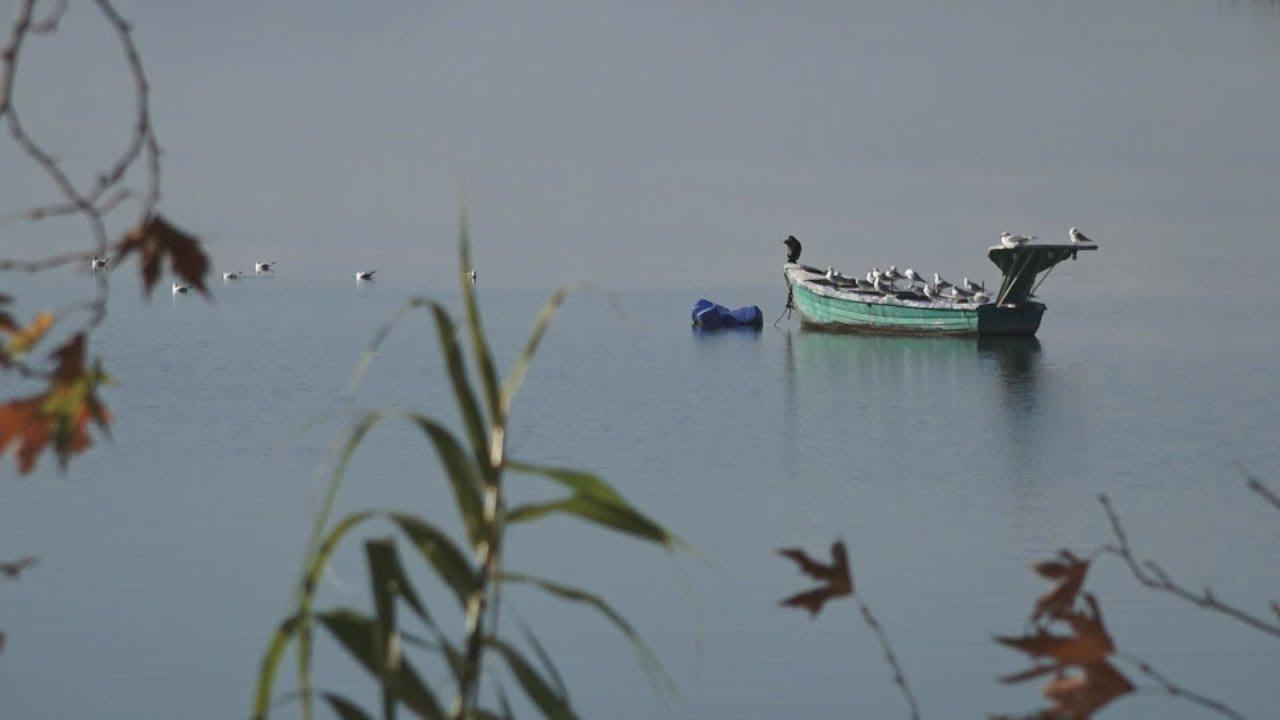 Η απαράμιλλη ομορφιά της λίμνης Τριχωνίδας