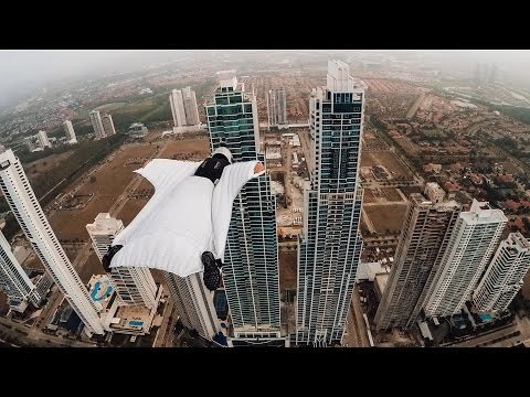 Roberta Mancino Wingsuits Through Panama City