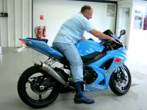 Espectacular Suzuki GSXR 1000   Videos De Motos Suzuki Moto GP