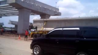 Download Video Cuma 9 menit proses pengangkatan jembatan Fly over dr truck dgn alat berat diKalimalang MP3 3GP MP4