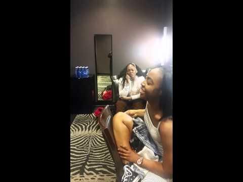 Jessie J's background singers amazing backstage warm up