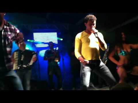 Empinadinha - Banda Feras do Forró ao vivo em Aguas Vermelhas - MG