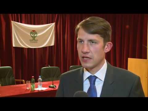 Az elnökválasztáson való részvételre szólította az adaiakat a VMSZ-cover