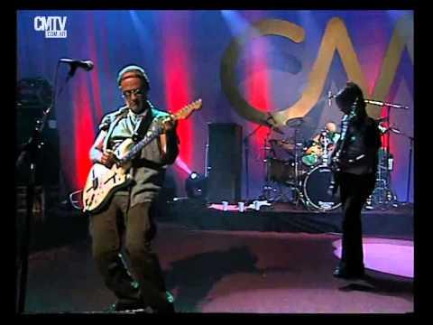 Las Pelotas video Rompiendo la puerta - CM Vivo 2005