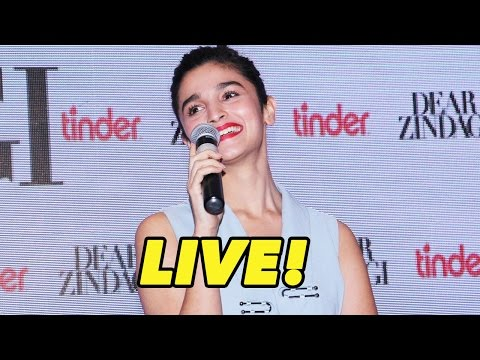 Alia Bhatt Sings Ae Dil Zindagi Gale Laga Le Live