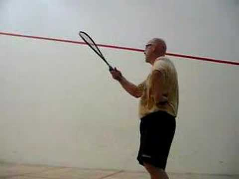 How to hit a squash ball