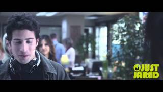 Nonton Nikki Reed Gets Asked on a Date -