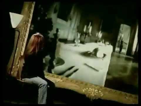 Tekst piosenki Belinda Carlisle - It's too real po polsku