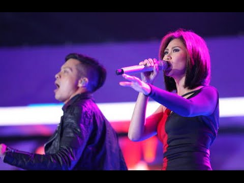 awards - The 2 coaches from The Voice Kids are unstoppable as they graced the stage with their one of a kind performance in the MOA Arena! Jive into their music and witness as they take their awards...