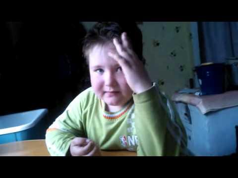 Мальчик который рассказывал стих про ласточку видео
