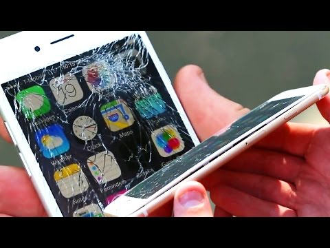 Raw - iPhone 6 vs iPhone 6 Plus Raw Drop Test! We drop the iPhone 6 vs iPhone 6 Plus in a raw drop test and see how the results are. It might surprise you. iPhone 6 Video Playlist: http://goo.gl/C8wPP2...