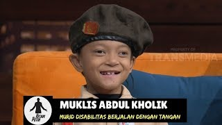 Video Luar Biasa, Abdul Rela Merangkak 3 Km Demi Sekolah | HITAM PUTIH (14/11/18) Part 2 MP3, 3GP, MP4, WEBM, AVI, FLV November 2018