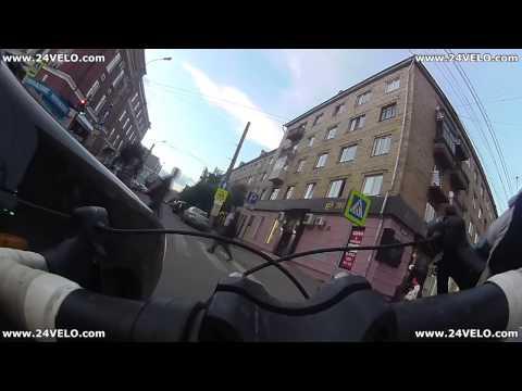 Водитель Priora возмущен, почему велосипедист проехал на зеленый...