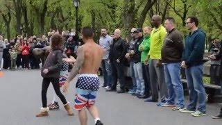 Video New York - Street Acrobat performance - Central Park - PART 1 MP3, 3GP, MP4, WEBM, AVI, FLV Januari 2019