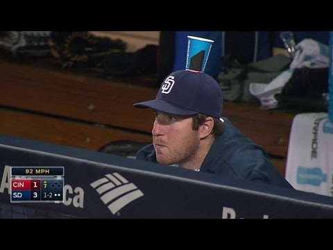Padres prank Gyorko with cup-on-the-hat prank