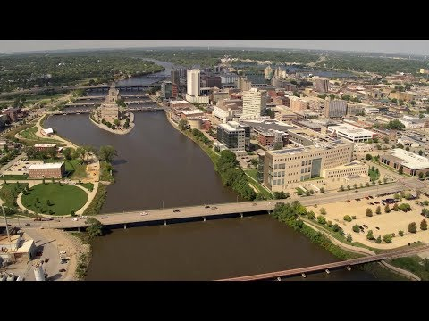 Iowa Land and Sky: Iowa Cities, Towns And Waterways