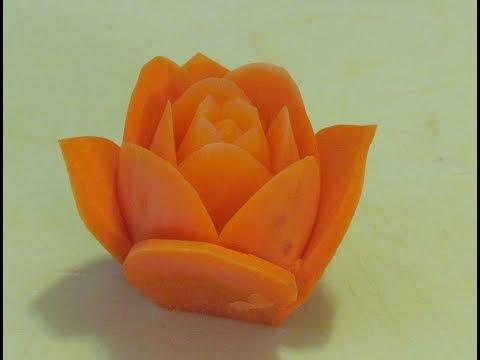 Trầm trồ với cách tỉa hoa hồng xếp từ cà rốt siêu nghệ thuật
