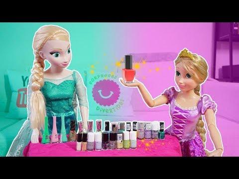 Videos de uñas - Rapunzel y Elsa juegan a Pintar Uñas con colores